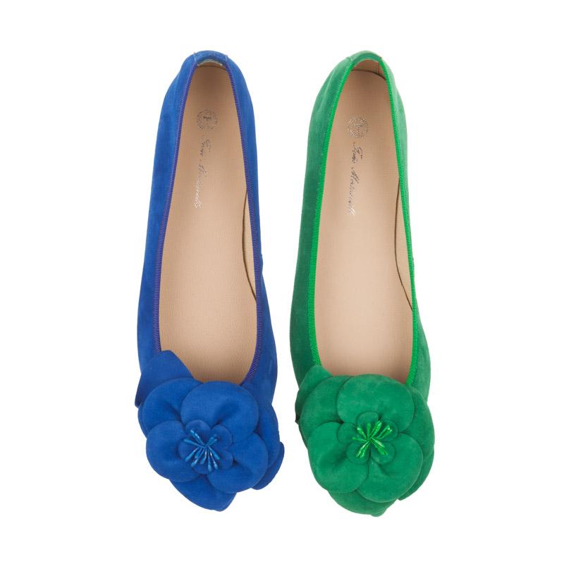 Bailarinas azules con flor | Toñi Mediavilla